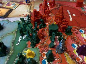 General Conan führt die Stygier zum Sieg über Aquilonien und erobert Koth.